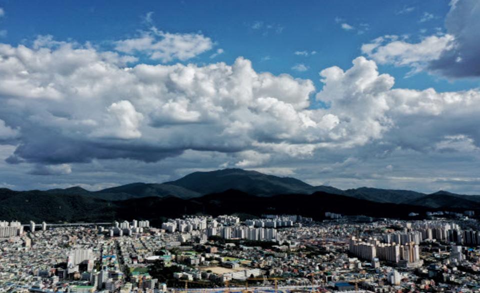[오늘경제 날씨] 구름 많은 하늘…강원 영동 오전 비